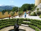 Der kleine Garten rund um das Schloss